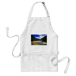 Corriente de la montaña, parque nacional de aspira delantal