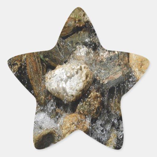Corriente del guijarro del agua pegatina en forma de estrella
