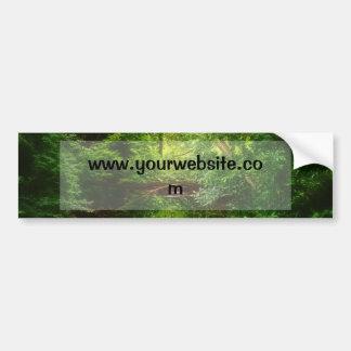 Corriente verde soñadora del bosque y del agua pegatina para coche