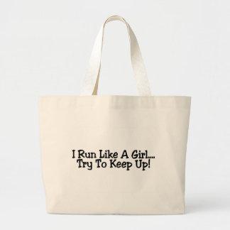 Corro como un intento del chica para continuar bolsas de mano