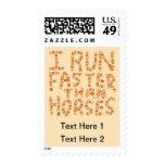 Corro más rápidamente que caballos. Lema Franqueo