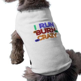 Corro para consumir las camisetas sin mangas locas playera sin mangas para perro