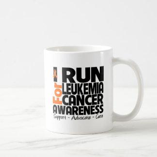 Corro para la conciencia del cáncer de la leucemia taza básica blanca