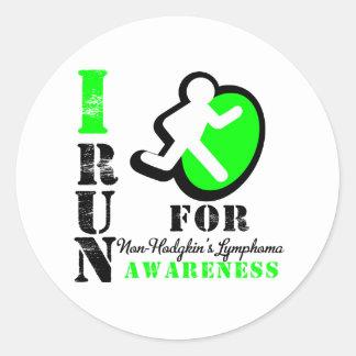 Corro para la conciencia del linfoma Non-Hodgkin Pegatina Redonda