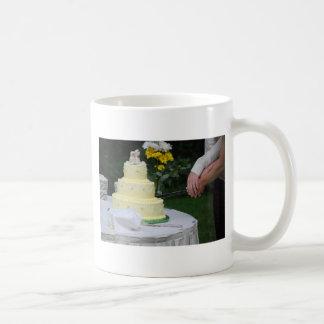 Cortar la torta taza de café