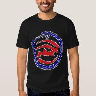 Corte de la camiseta del logotipo de las sombras playeras
