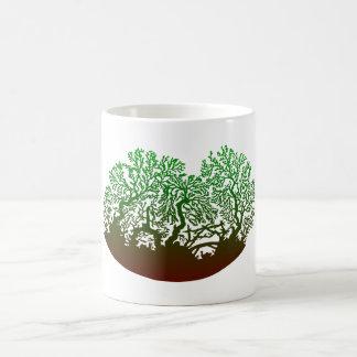 Corte de tijeras árboles silhouette de trees taza de café