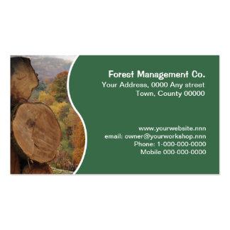 Corte la tarjeta de visita de los troncos de árbol
