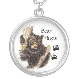 Corte, los abrazos de oso de encargo del oso negro colgante redondo