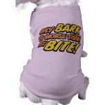 Corteza peor que la camiseta del perro de la morde ropa de mascota