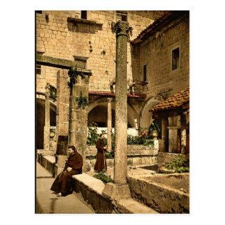 Cortile della farmacia de Franciscani, Ragusa, Sic Postcard