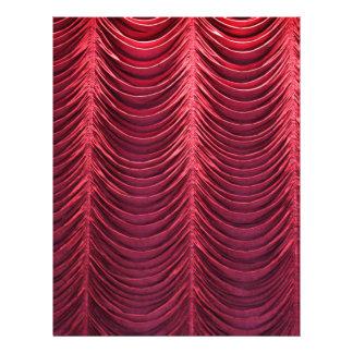 Cortina roja del terciopelo membretes personalizados
