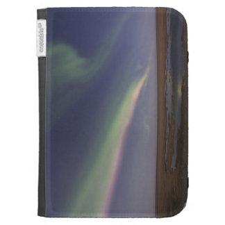 Cortinas de la aurora boreal coloreada