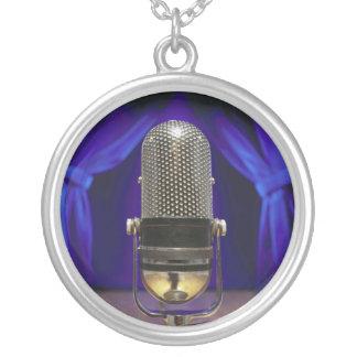 Cortinas retras del micrófono y de la etapa colgante redondo