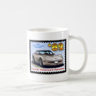 Corvette 1982 de la ventana trasera de la edición taza de café
