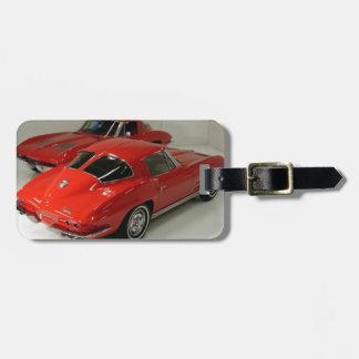 Corvette partido del rojo de la ventana de la obra etiqueta de maleta