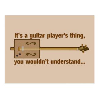 Cosa de la guitarra de la caja de cigarros postal