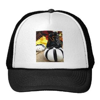 Cosecha blanco y negro gorras de camionero