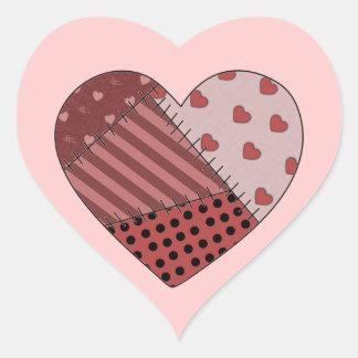 Cosido junto corazón del remiendo pegatina en forma de corazón