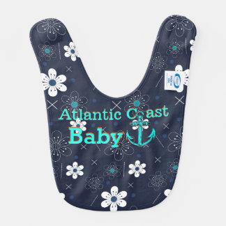 Costa azul retra de Atlántico de la flor blanca de Babero Para Bebé