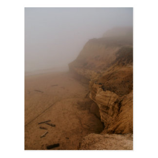 Costa costa de California en niebla Postal