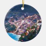 Costa costa y paisaje mágicos en Amalfi, Italia Ornatos
