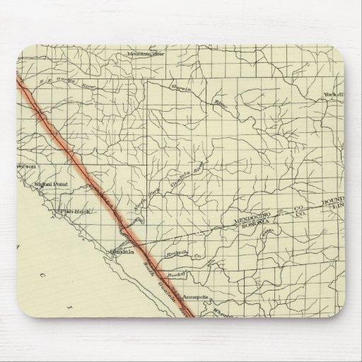 Costa de California que muestra la grieta de San A Alfombrilla De Ratones