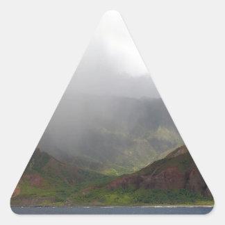 Costa de Napali de la montaña del arco iris Calcomanía De Triangulo Personalizadas