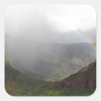 Costa de Napali de la montaña del arco iris Calcomanía Cuadradas Personalizada
