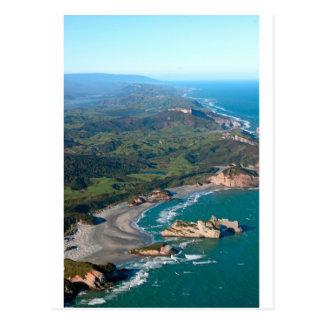 Costa increíble de la playa de Wharariki de la Postales