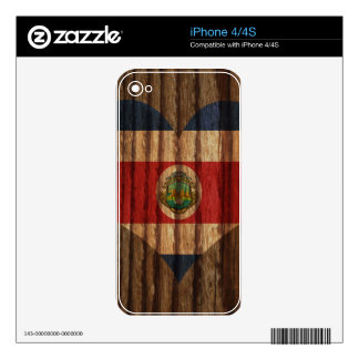 Costa+Rica Flag Heart on Wood theme iPhone 4 Skins