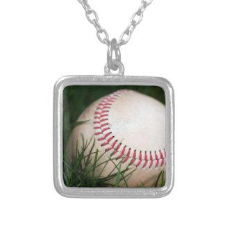 Costura del béisbol colgante cuadrado