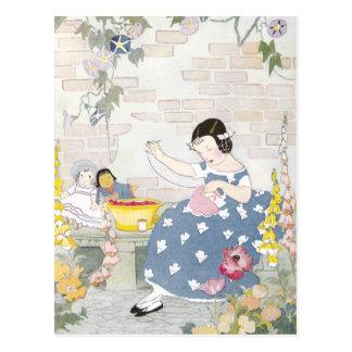 Costura en un jardín del Foxglove y de amapolas Tarjetas Postales