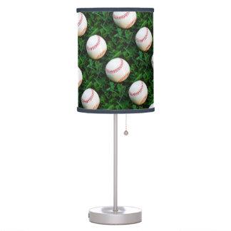 Costura roja del béisbol blanco lámpara de mesilla de noche