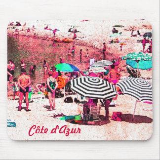 Côte d'Azur retro beach scene - magenta mousepad