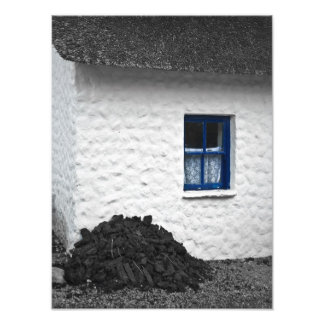 Cottage with Turf Photo