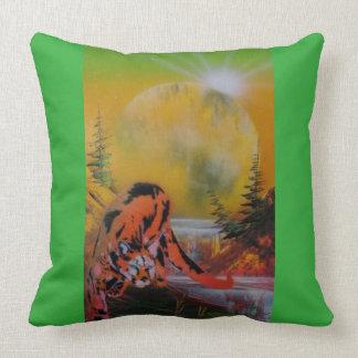 Cougar Toss Cushion. Pillows