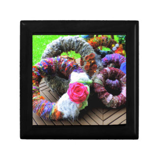 Country Cottage Hand Spun Wreaths Design Gift Box