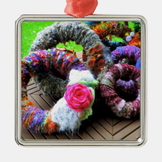 Country Cottage Hand Spun Wreaths Design Metal Ornament