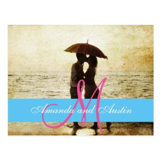 couple on the beach/Wedding Invitation Postcard