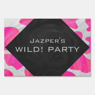 Cow Hot Pink and White Print Lawn Signs