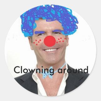 Cowell de Simon el payaso Clowning alrededor Pegatina Redonda