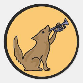 Coyote CO que juega al pegatina del bugle