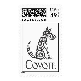 Coyote que se sienta franqueo