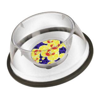 Crabs on lemon pet bowl