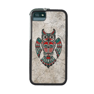 Cracked Red and Black Haida Spirit Owl Cover For iPhone 5