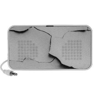 Cracked speaker doodle