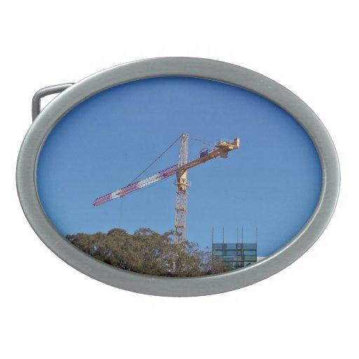Crane in construction oval belt buckle