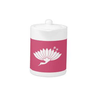 Crane-shaped chrysanthemum teapot