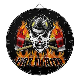 Cráneo 2 del bombero y hachas llameantes